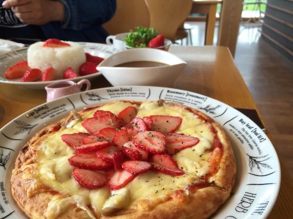 山元いちご農園「Berry Very Labo(ベリーベリーラボ)」のいちごピザ