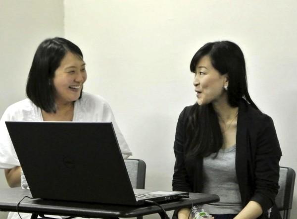 かものはしプロジェクト小畠さん(右)とNGO・PLAS門田さん(左)
